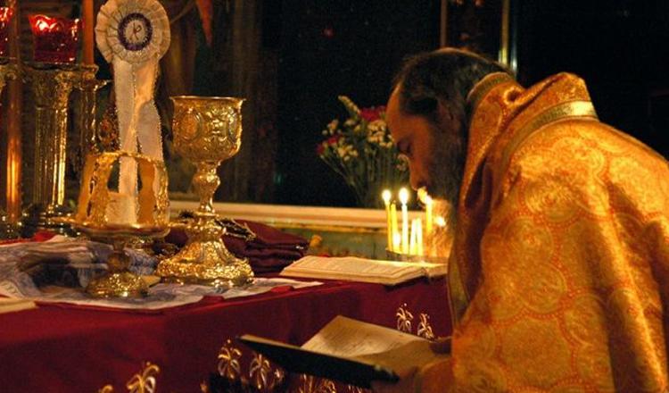 Preotul trebuie să se roage pentru toţi