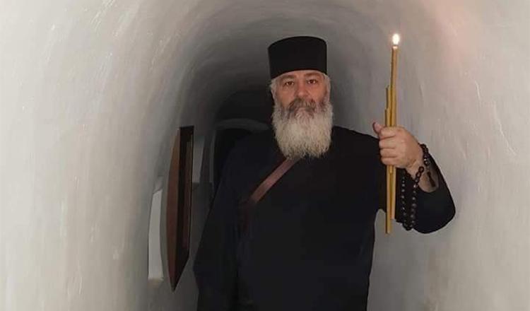 Părintele Calistrat testat pozitiv