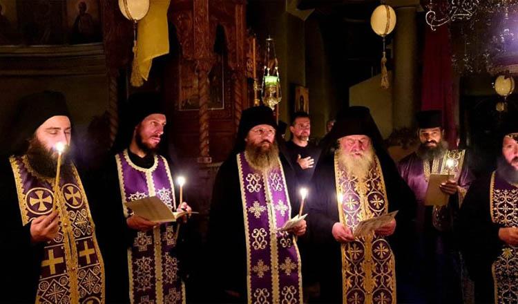 Rugăciune comună VINERI seara în tot Muntele Athos